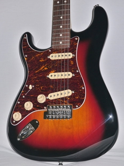 Squier Classic Vibe Stratocaster® 60s Left Handed, Rosewood Fingerboard, 3-Color Sunburst