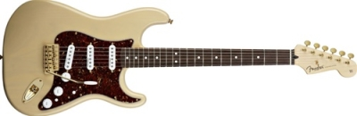 Fender Deluxe Players Stratocaster® Rosewood Fingerboard, Honey Blonde